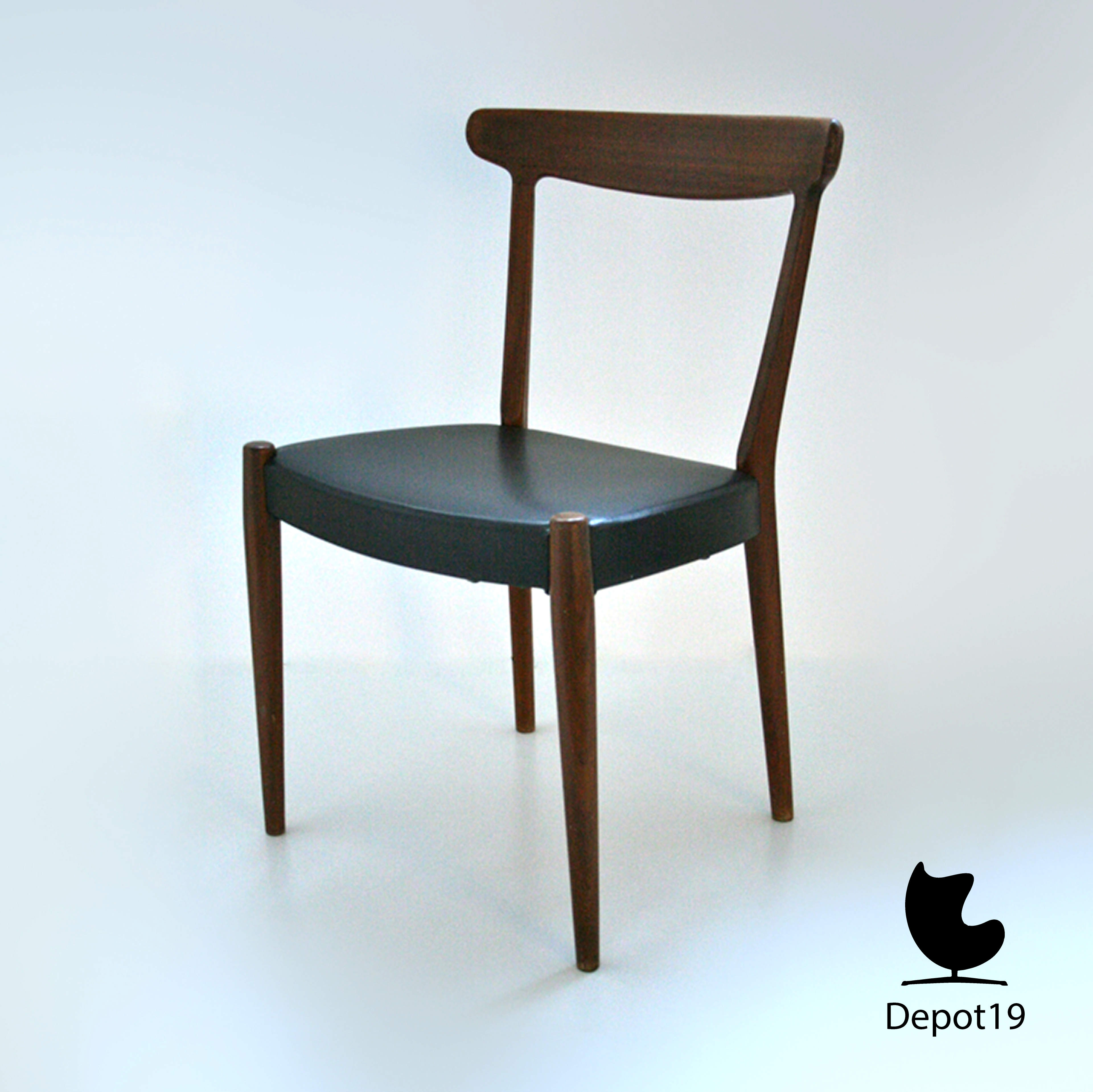 Hans wegner stijl w2 skaraborgs tibro zweden stoel depot 19 - Stoel nieuwe kunst ...