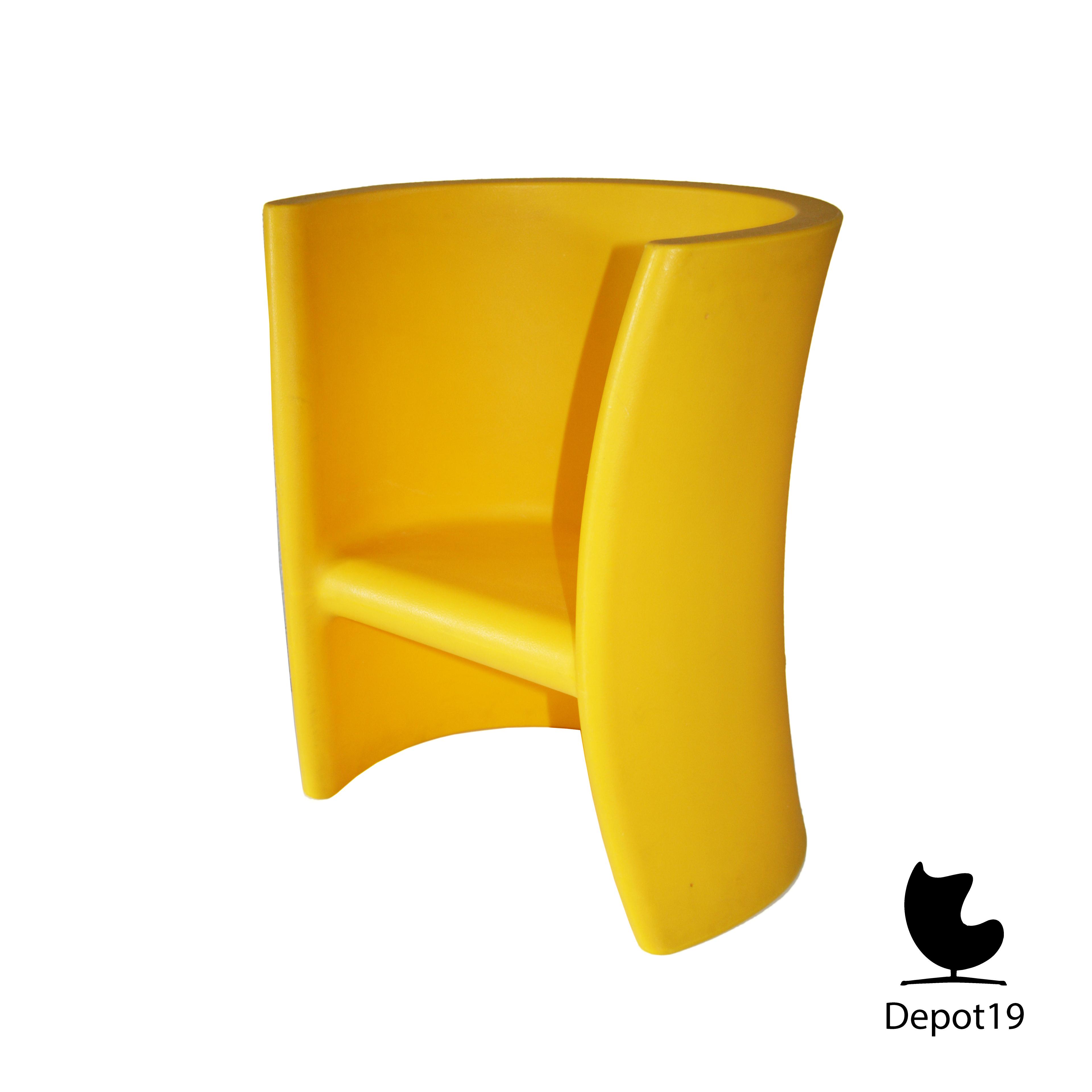 Magis Eero Aarnio Triolo Rocking Chair Depot 19