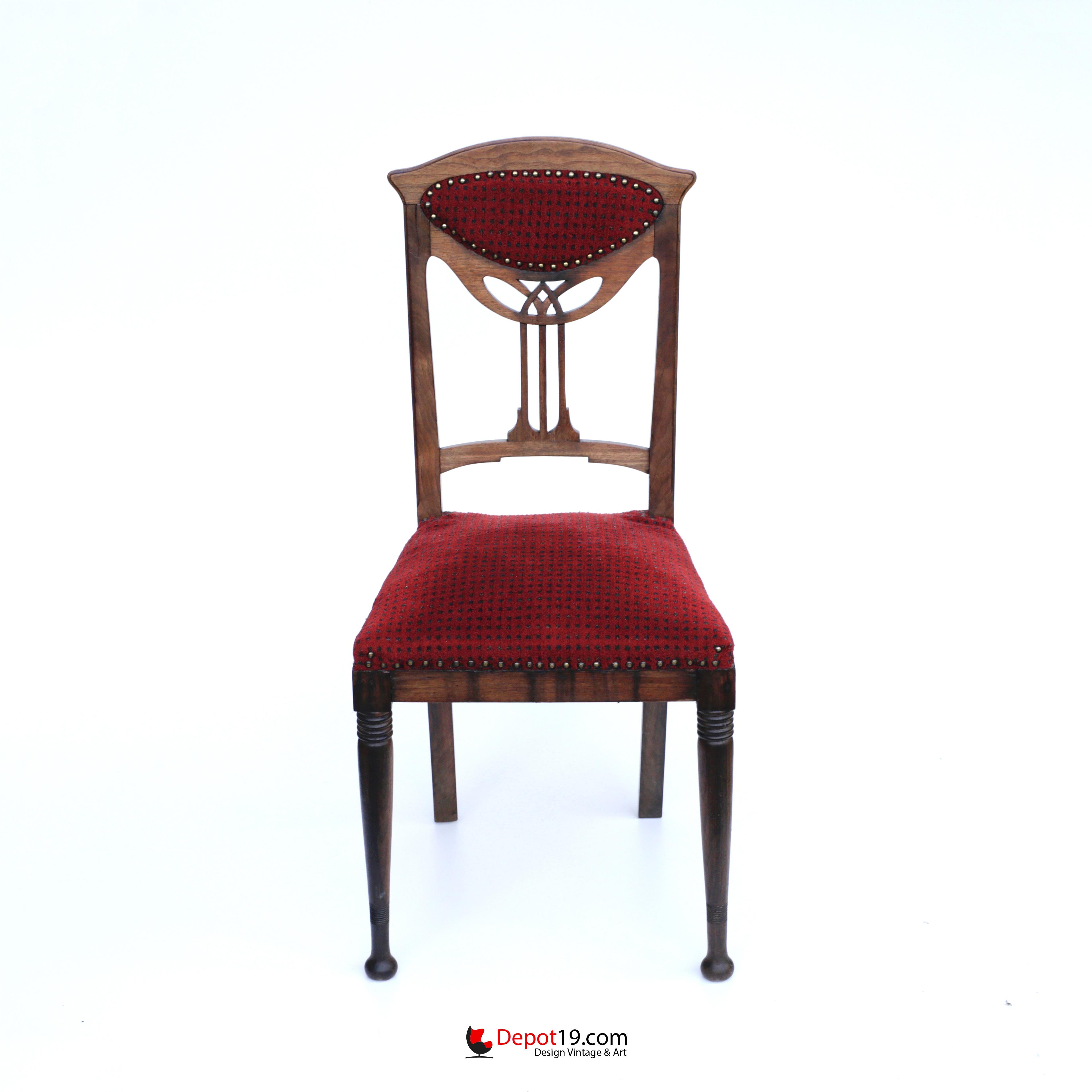 Art Deco Kuipstoelen.Art Nouveau Art Deco Style Chair With Wood Carvings Depot 19