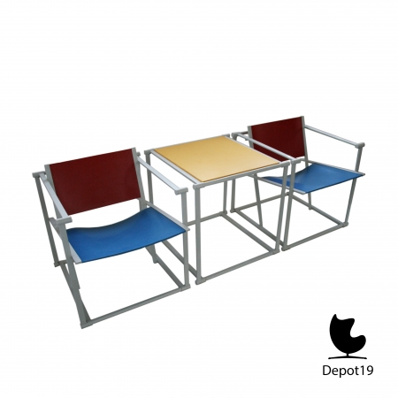FM60_Chair_Pastoe_Radboud_van_Beekum_design_Rietveld_style_depot_19_Matching_table.jpg