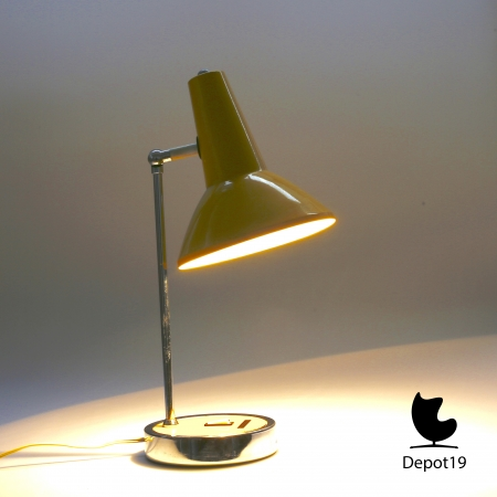Gino_Sarfatti_style_table_lamp_1970s_yellow_chrome_marked_made_in_Italy_depot_19_Olst_8.jpg