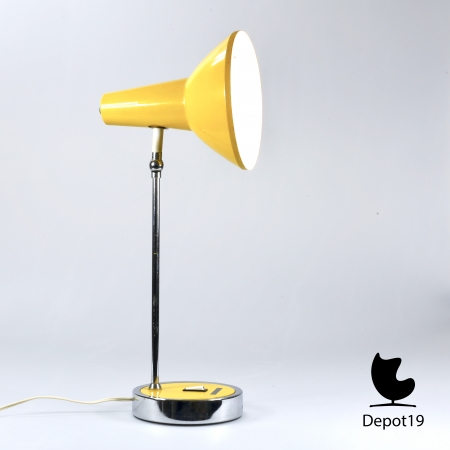 Gino_Sarfatti_style_table_lamp_1970s_yellow_chrome_marked_made_in_Italy_depot_19_Olst_5.jpg