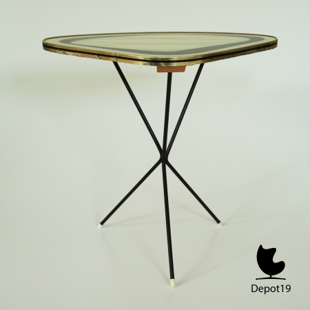 depot_19_Mid_Century_50s_Atomic_Small_Coffee_Table_Side_Table_Plant_Stand_Triangle_Shape_atomic_style_Modernist_Rietveld_era_glass_wire_3.jpg