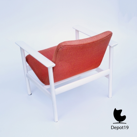 Vintage_MCM_Webe_lounge_chair_Louis_van_Teeffelen_style_White_orange_depot_19_1.JPG