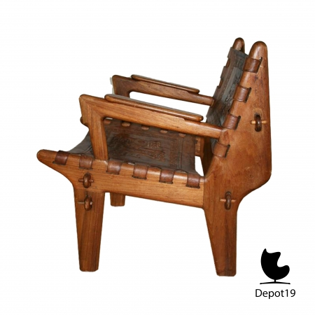 traditional_Peruvian_Easy_chair_E_Banisteria_and_T_Caivinagua_1950s_depot_19_2.jpg
