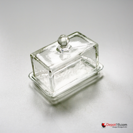 Depression_Glass_Butter_Dish_1930s_art_deco_depot_19_depot19_Olst_Vintage_design_glass_7.jpg