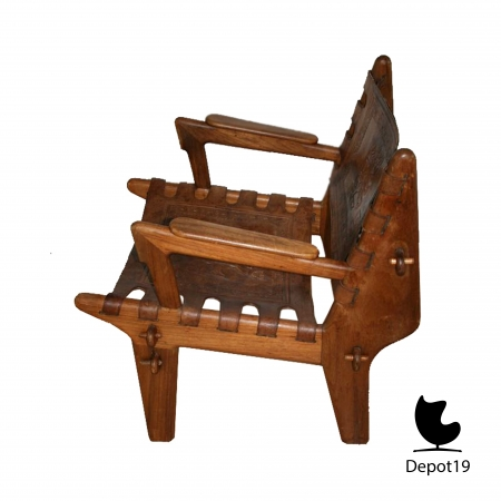 traditional_Peruvian_Easy_chair_E_Banisteria_and_T_Caivinagua_1950s_depot_19_5.jpg