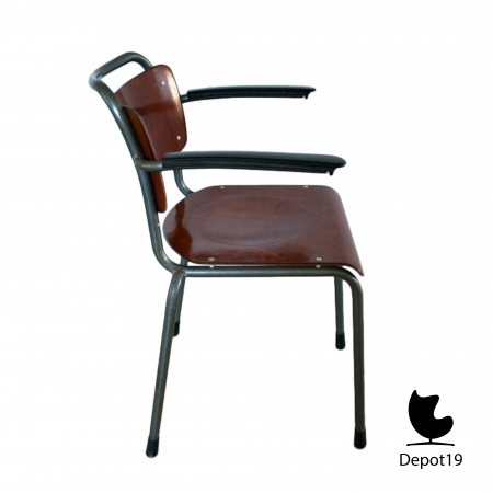 GI19_Mdezign_chair_Dutch_Design_gispen_model_201_pagholz_12.jpg