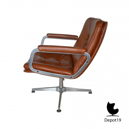 geoffrey_harcourt_artifort_swivel_fauteuil_leather_depot19_Olst_10_4.jpg