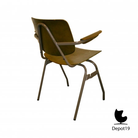 Kho_Liang_Ie_1957_CAR_chair_model_315_depot_19_6.jpg
