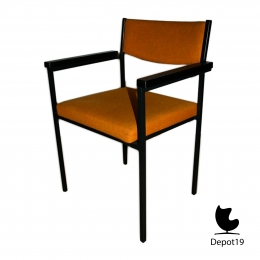 Martin_Visser_Stackable_chairs_with_arms_spectrum_depot_19_Olst_13.jpg