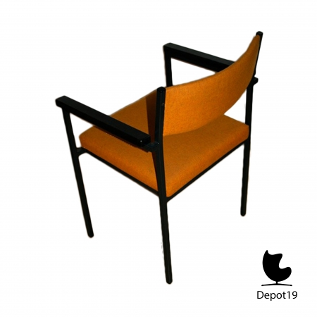 Stackable_chairs_with_arms_spectrum__depot_19_olst___8.jpg