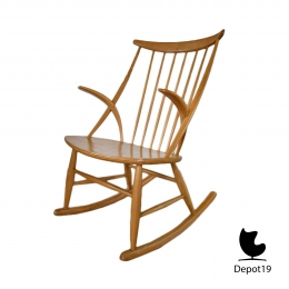 illum_Wikkels_Gyngestol_Rocking_chair_N_Eilersen_1958__depot_19_3.jpg