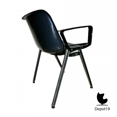 Osvaldo_Borsani_1968_Modus_sm203_chair_Italian_design_stackable_blue_depot_19_Olst_4.jpg